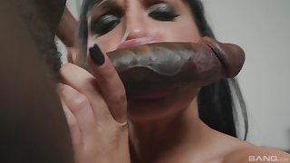 Valentina Ricci adores when her lover cum on her face after hard fuck