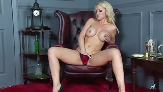 Solo of age Frankie moans while taxing out a new sex toy. HD