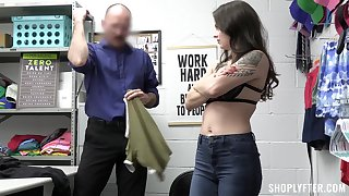 Betray lifter agrees to fuck all over well-endowed if he lets her go